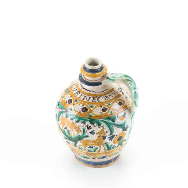 čepák, značený MARCIN KURINEC 1792, celoplošne kolorovaný,výška 23 cm,