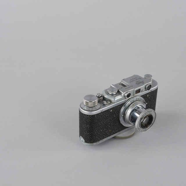 Prístroj fotografický LEICA III C