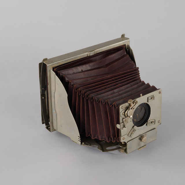 Prístroj fotografický H.MADER