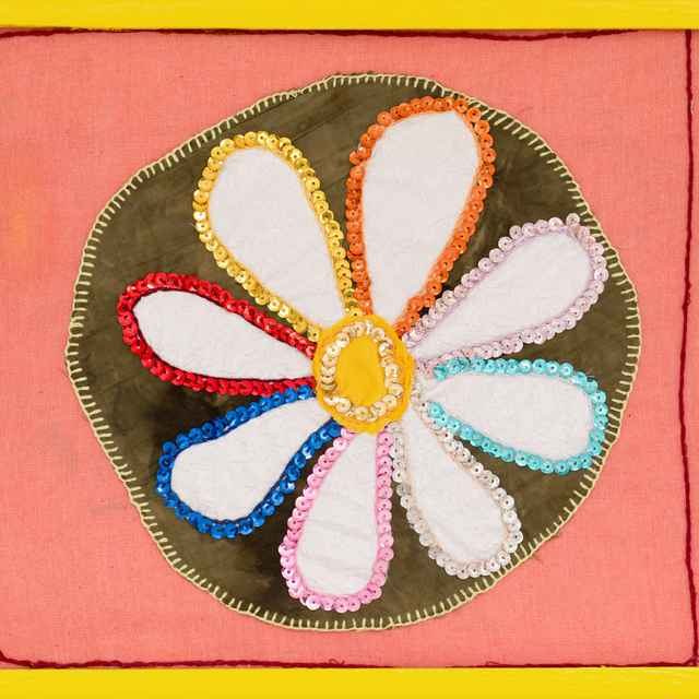 Farebný kvet