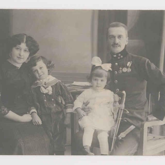 Pohľadnica: Rodinný portrét