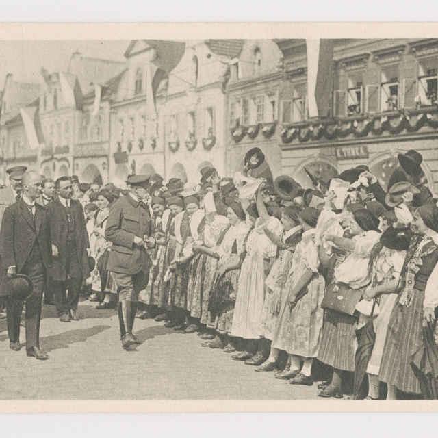 Pohľadnica: Uvítanie prezidenta T. G. Masaryka v Domažliciach 2. mája 1923