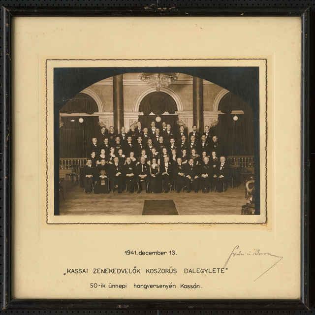 Súbor fotografií členov Košického speváckeho spolku