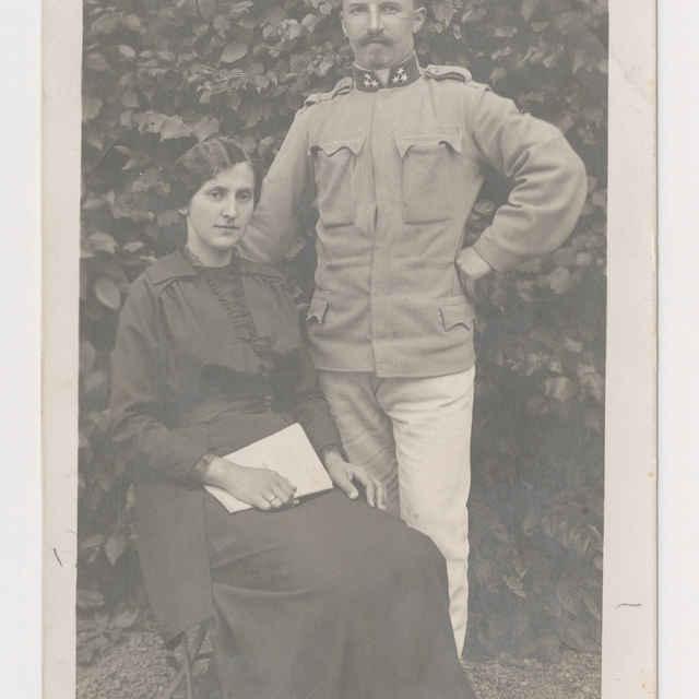 Pohľadnica: Portrét manželov