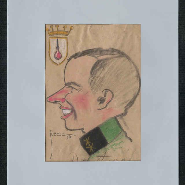 Pastel na papieri - karikatúra vojaka, hlava mladého muža z profilu, otočená doľava, bez čiapky, pomerne ostrý nos, úsmev na tvári. V ľavom hornom rohu erb s korunkou, v štíte klystír, dolu autogram: Dr. Aczél, vľavo dolu sign.: Füzesi 918; rozm.: 43 x 30