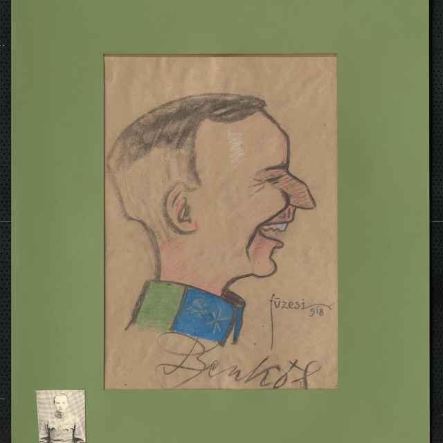 Pastel na papieri - karikatúra vojaka, hlava mladého muža z profilu, otočená doprava, s úsmevom na tvári, s orlím nosom. Dole autogram: Benkó, vpravo sign.: Füzesi 918; rozm.: 40,5 x 29 cm