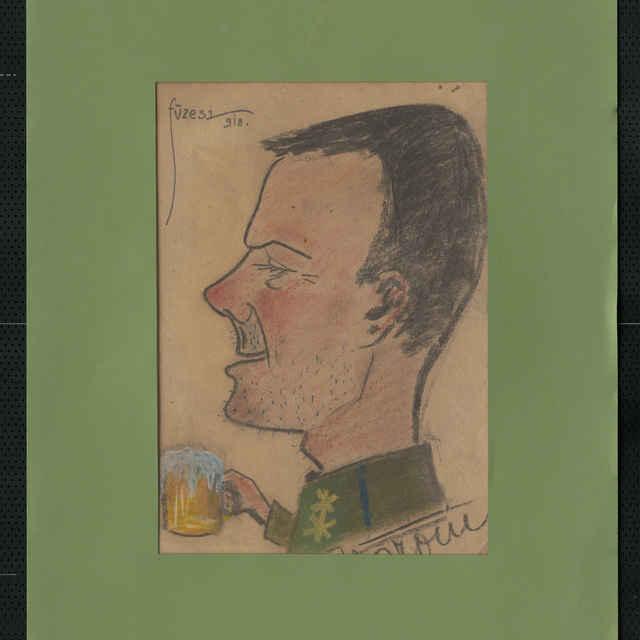 Pastel na papieri - karikatúra vojaka, hlava mladého muža z profilu, otočená doľava, neupravený zovňajšoch, v pripojenej reuke pohár piva, vpravo dole nečit. autogram, vľavo hore sign.: Füzesi 918; rozm.: 44 x 30,5 cm