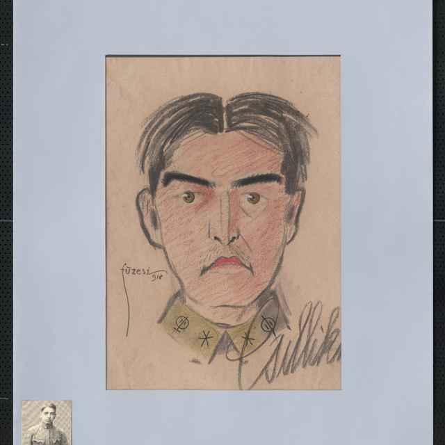 Pastel na papieri - karikatúra vojaka, hlava muža spredu, vlasy s pútcom v strede hlavy, so smutným výrazom v tvári, vpravo dole autogram: Csittih, vľavo sign. Füzesi 918; rozm.: 40x30 cm