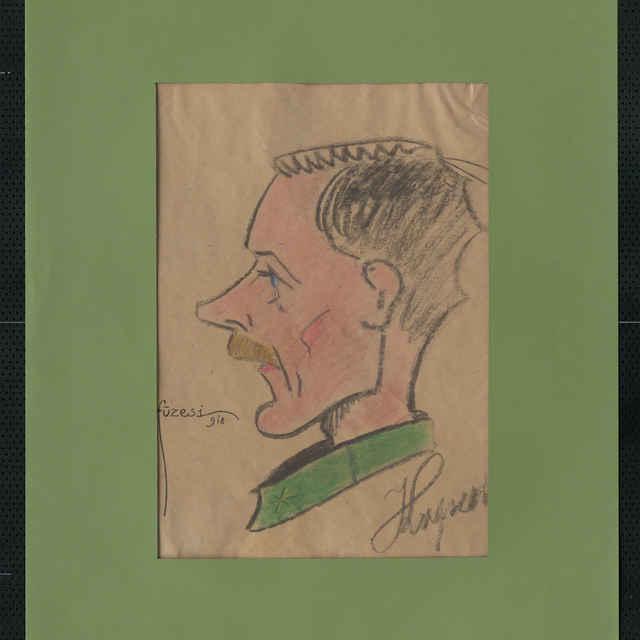 Pastel na papieri - karikatúra vojaka, hlava mladého muža z profilu, otočená doľava, bez čiapky, tmavé vlasy, plavé fúziky, modré oči, pravo dole utogram nečitateľný, vpravo sign.: Füzesi 918; rozm.: 43 x 30 cm