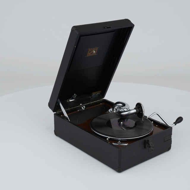 Gramofón kufríkový
