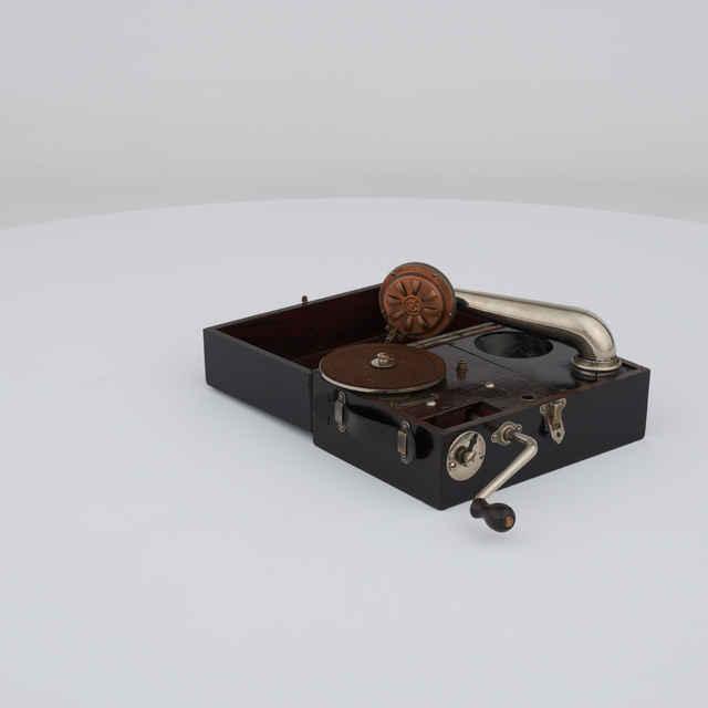 Gramofón mechanický Maestrophone