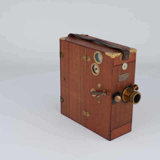 Kamera filmovacia na 35 mm film (Urban BIOSCOPE Model D - Ang.)