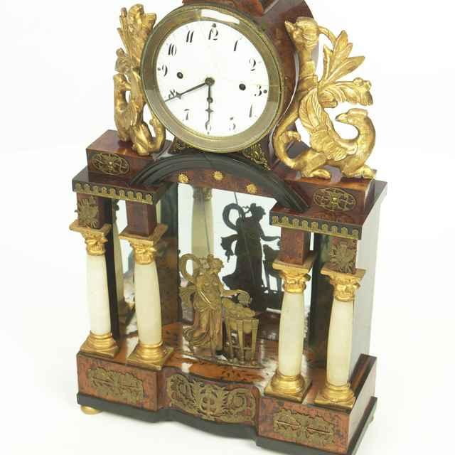 hodiny stĺpikové