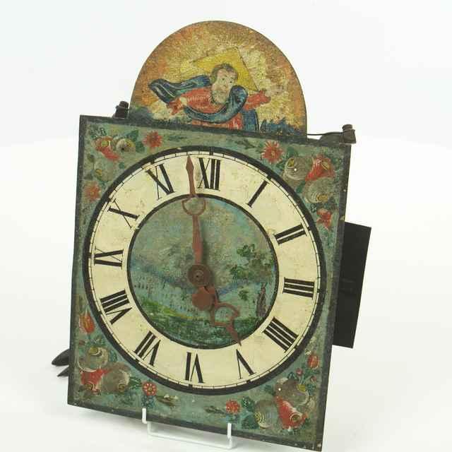 hodiny nástenné