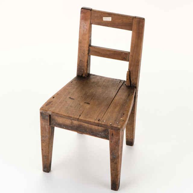 Detska drevena stolicka hracka