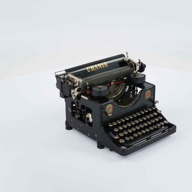 Stroj písací zn. Urania