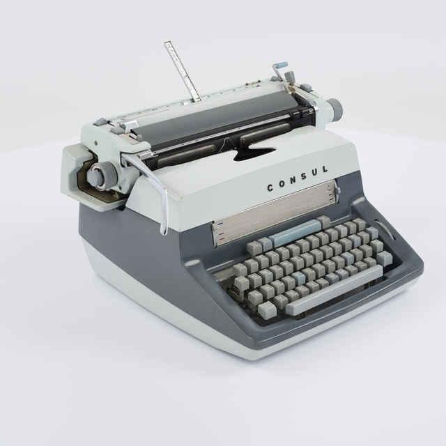 Stroj písací zn. Consul