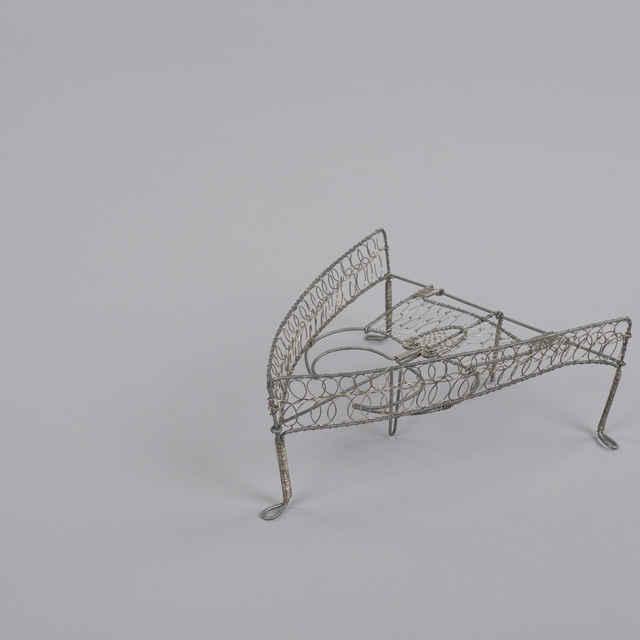 Podložka na žehlenie - Umelecký výrobok z drôtu