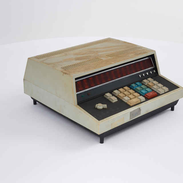 Kalkulačka elektronická zn. Tesla