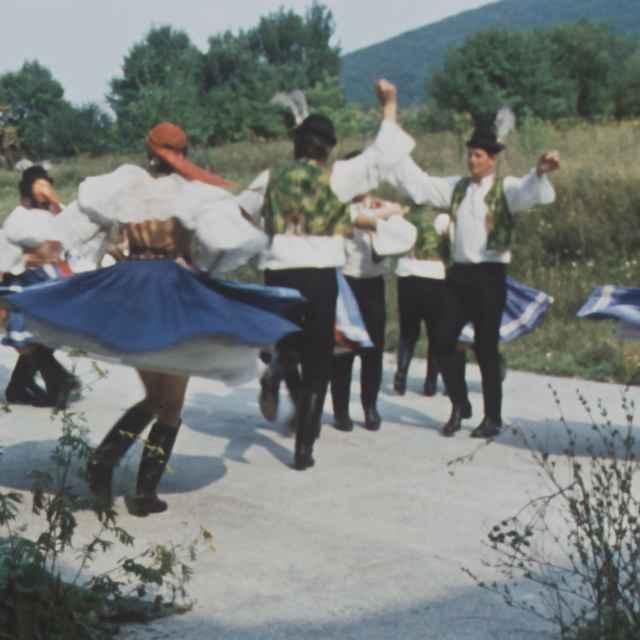 Tanečné motívy a tance z Horných Orešian