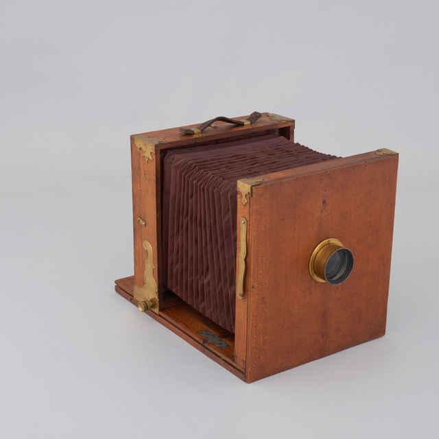 Prístroj fotografický cestovný