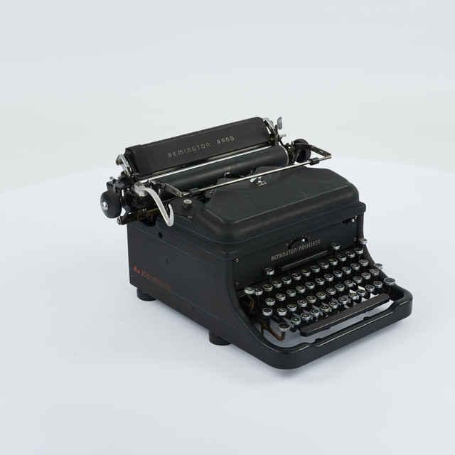 Stroj písací zn. Remington Noiseless