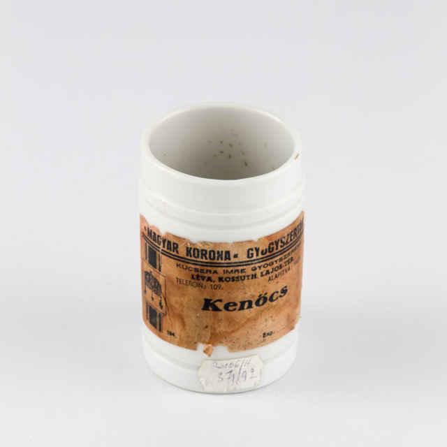 Masťovka porcelánova lekárnicka