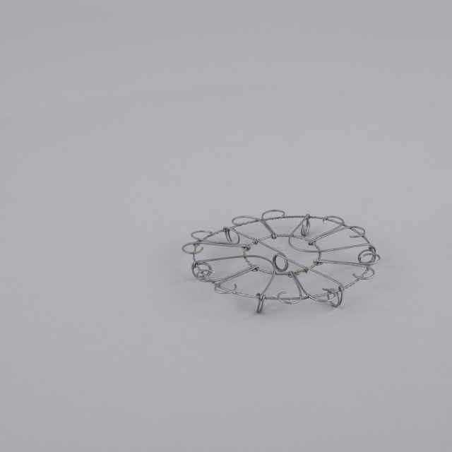Podložka pod hrniec - Umelecký výrobok z <u>drôtu</u>