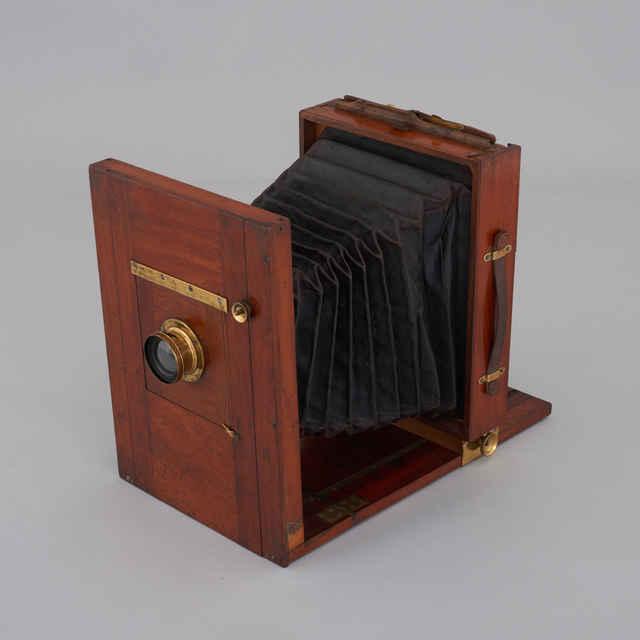 Prístroj fotografický cestovný 18 x 24 cm