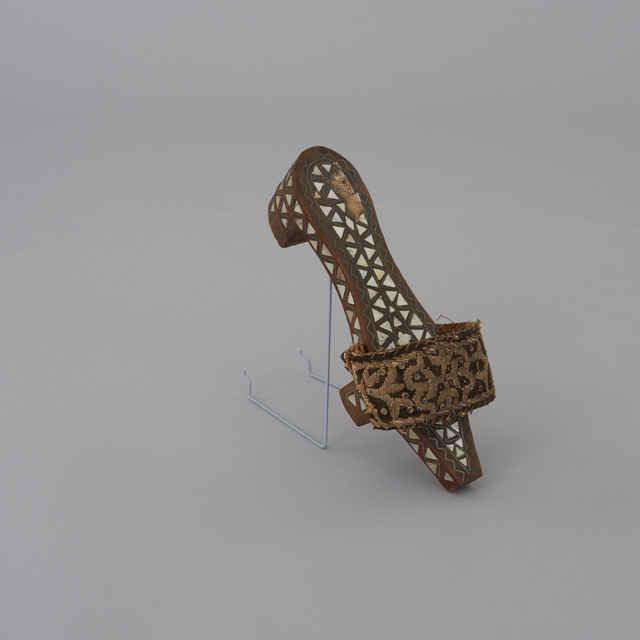 Sandál drevený