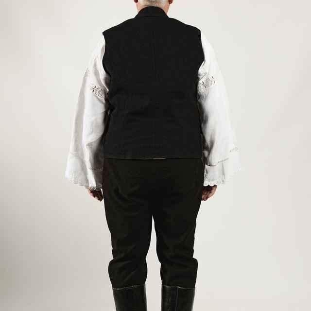 Mužský sviatočný odev z Cífera 001-02