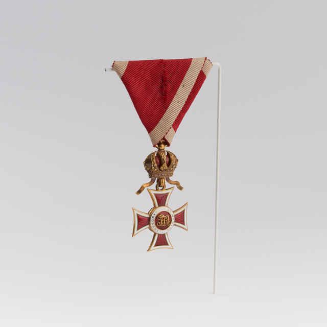 Rad Leopolda - rytiersky kríž