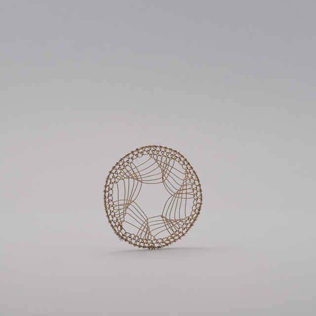 Gatričky s komplikovanými pletenými vzormi - Vianočné ozdoby pletené z postriebreného medeného <u>drôtu</u>, pletené na spôsob gatričiek z ľudových výšiviek