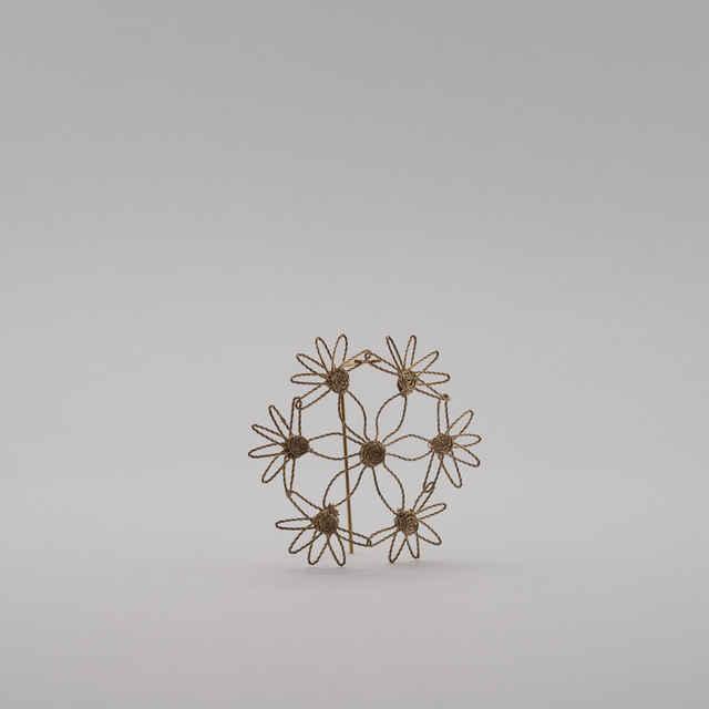 Ozdoba pletená z postriebreného drôtu na spôsob gatričiek - Remígia Biskupská