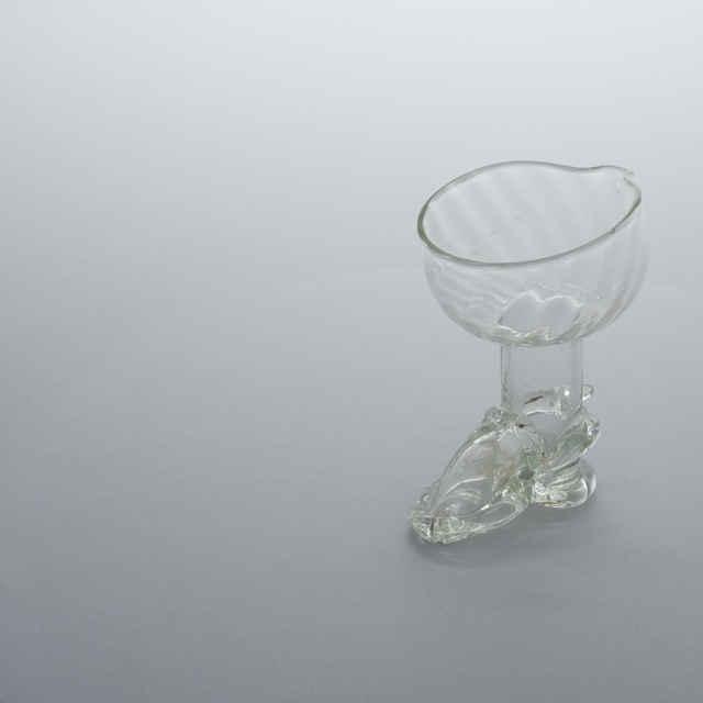 Nádoba v tvare čižmy, bezfarebné sklo, v. 11,2cm