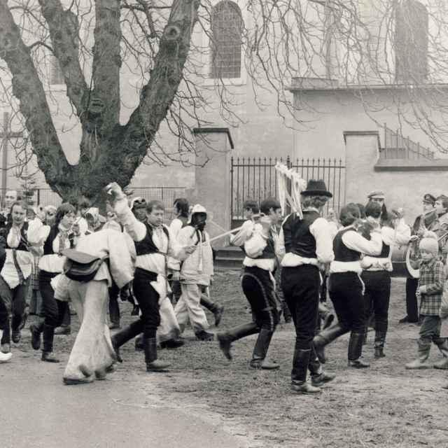 Fašiangová obchôdzka v Borskom Mikuláši 006-01