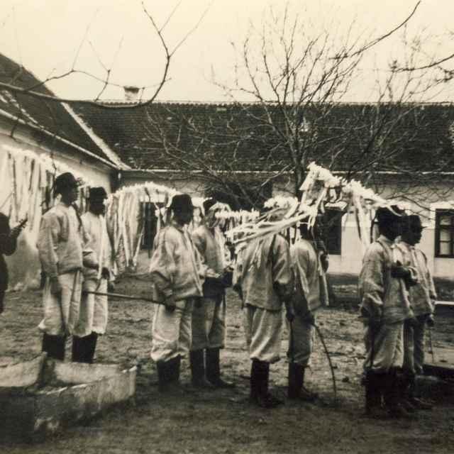 Fašiangová obchôdzka v Borskom Mikuláši 004-01
