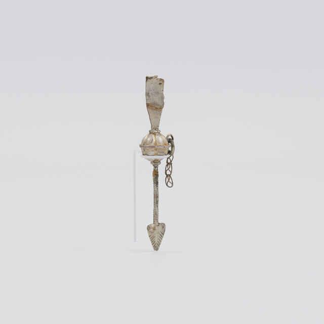 Šperk strieborný v podobe šípu
