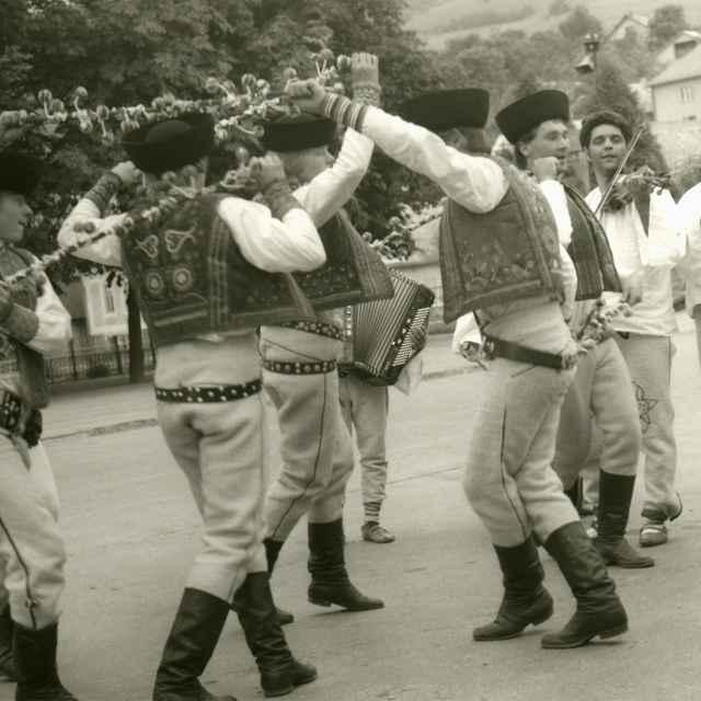 Palicový tanec z Rejdovej 001-02