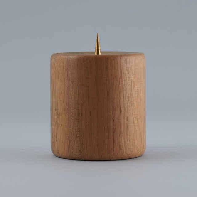 svietnik drevený
