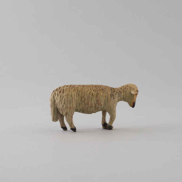 Betlehem drevený, vyrezávaný z 96 ks. príslušenstva - Ovečka (34 ks. - drev. fig. plastík - á 50,-Kčs, 61 ks. - drev. ovce a iné zvieratá - á 10,-Kčs) - neznámy