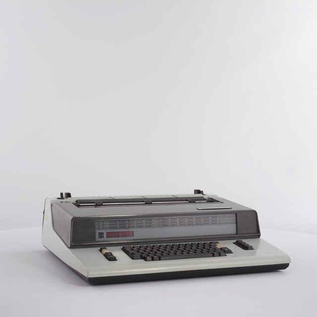 Stroj písací zn. Robotron S 6011