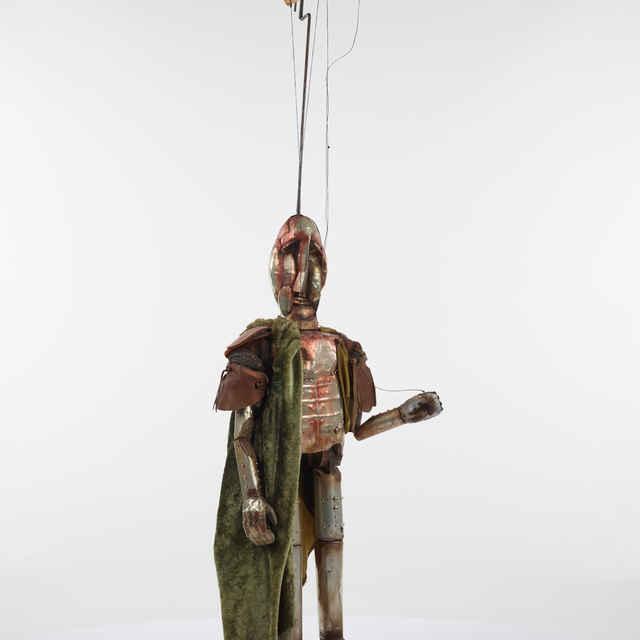 Bábka,marioneta, zbrojnoš