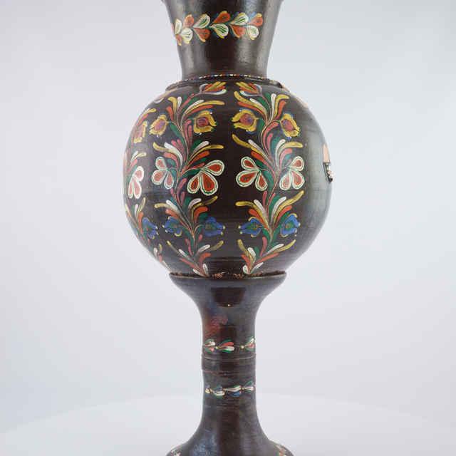 Váza hrnčiarska veľká na podstavci, Šivetice