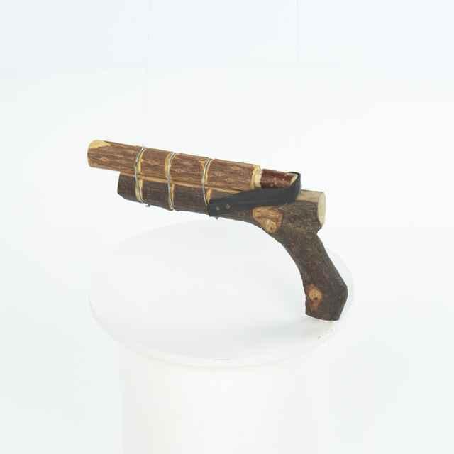 Pištoľ zo samorastu