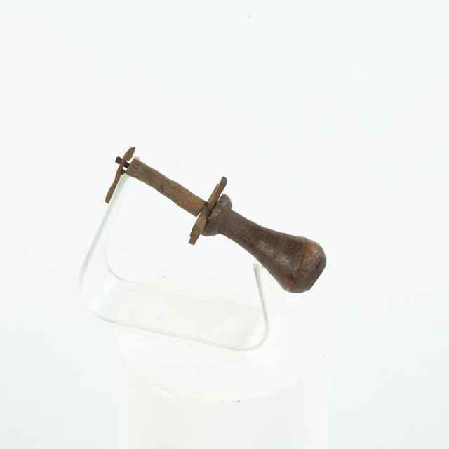 Držadlo meračskej šnúry zo súpravy Schinzeug