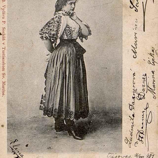 Dievča z Piešťan (Nitra) - Výtvarné umenie
