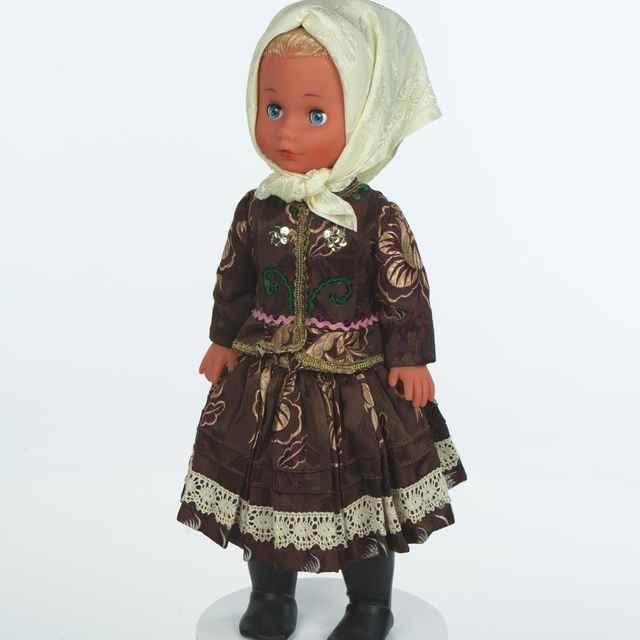 Bábika, ženský kroj zo Zamutova