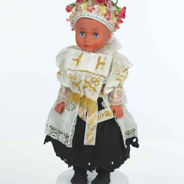 Bábika, svadobný kroj ženský Trnava Lopašov