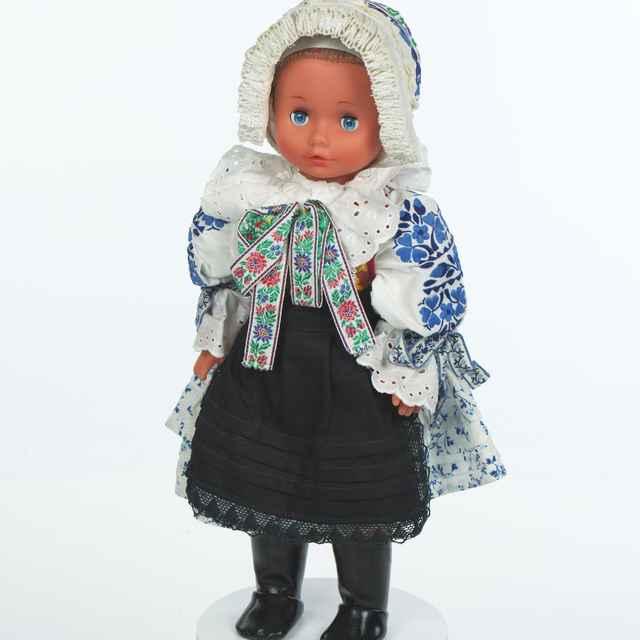 Bábika, ženský kroj z Modry - Kráľová